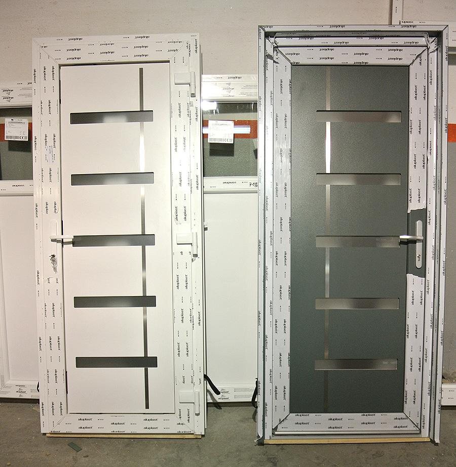 Porte d'entrée blanc-gris