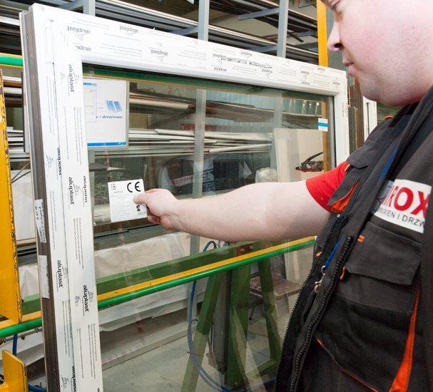 Entreprise mirox fabricant des fenetres et portes de pologne for Entreprise de fenetre