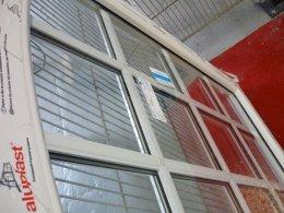 Des croisillons incorporés et rapportés dans la même fenêtre