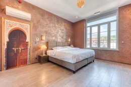 Fenêtres Mirox dans l'hôtel dans le style marocain