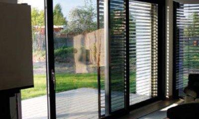 Porte coulissante- moderne, belle et sécurisée